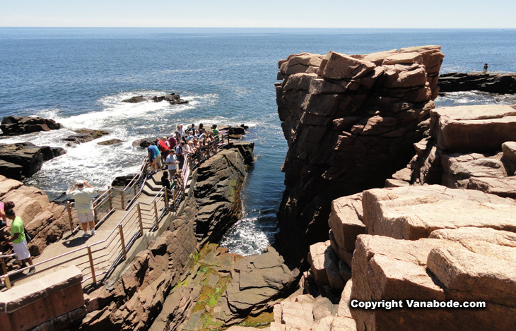 picture of thunder hole acadia national park maine
