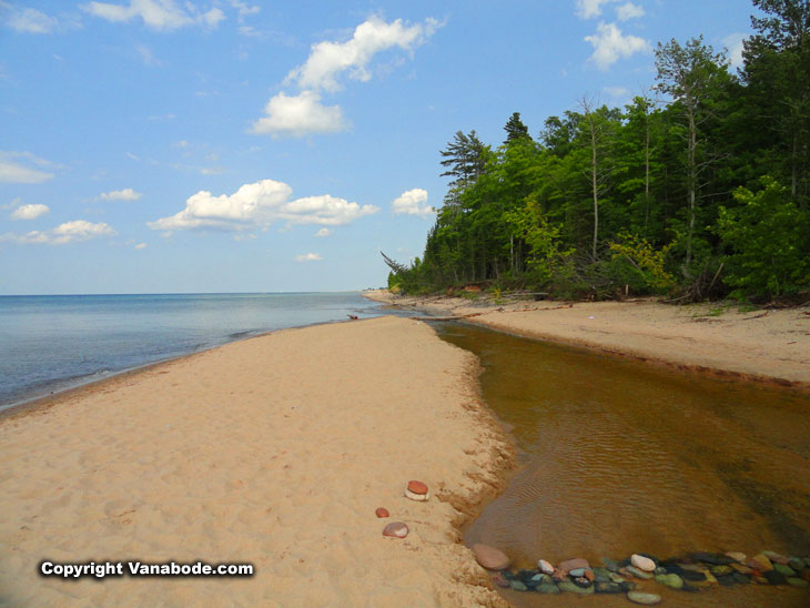 pictured rocks national lakeshore park lake superior tributary