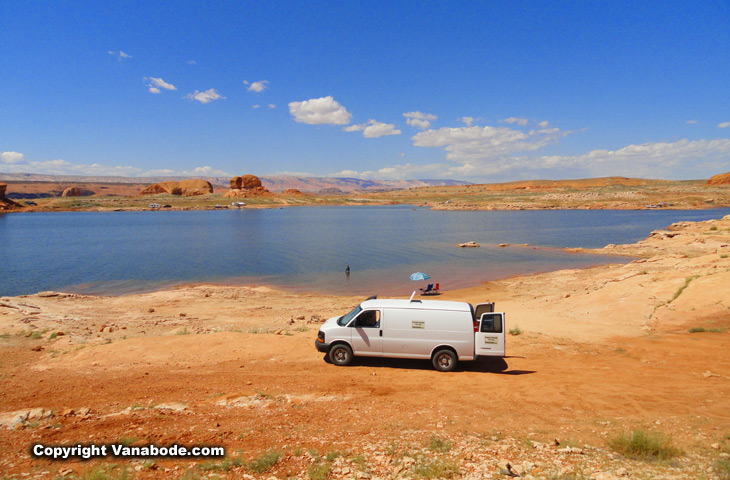 waterfront lake powell camping for free in utah