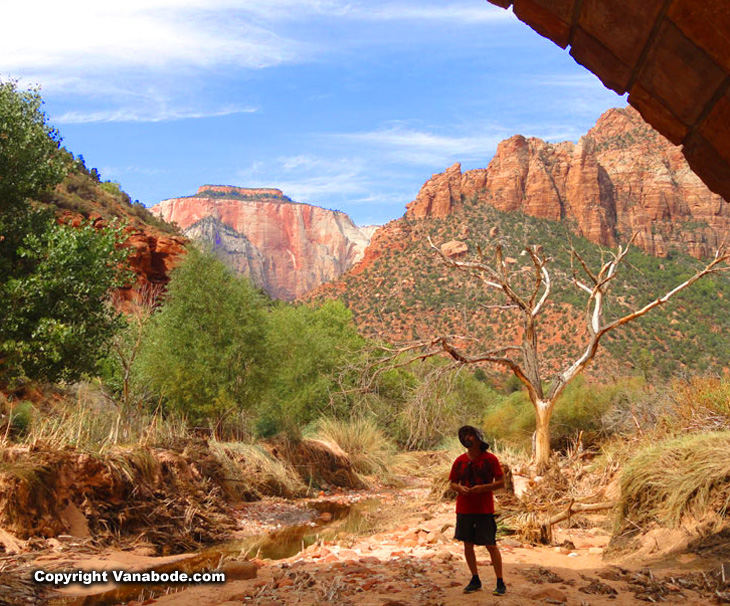 zion national park hiking slot canyons